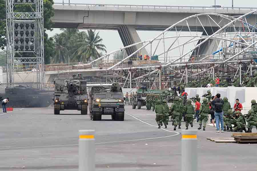 singapore army drill at floating platform
